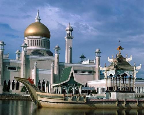 Masjid OmarALi di Brunei